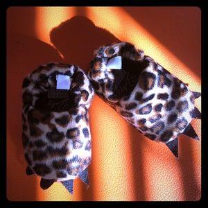 New Fuzzy baby bear slippers